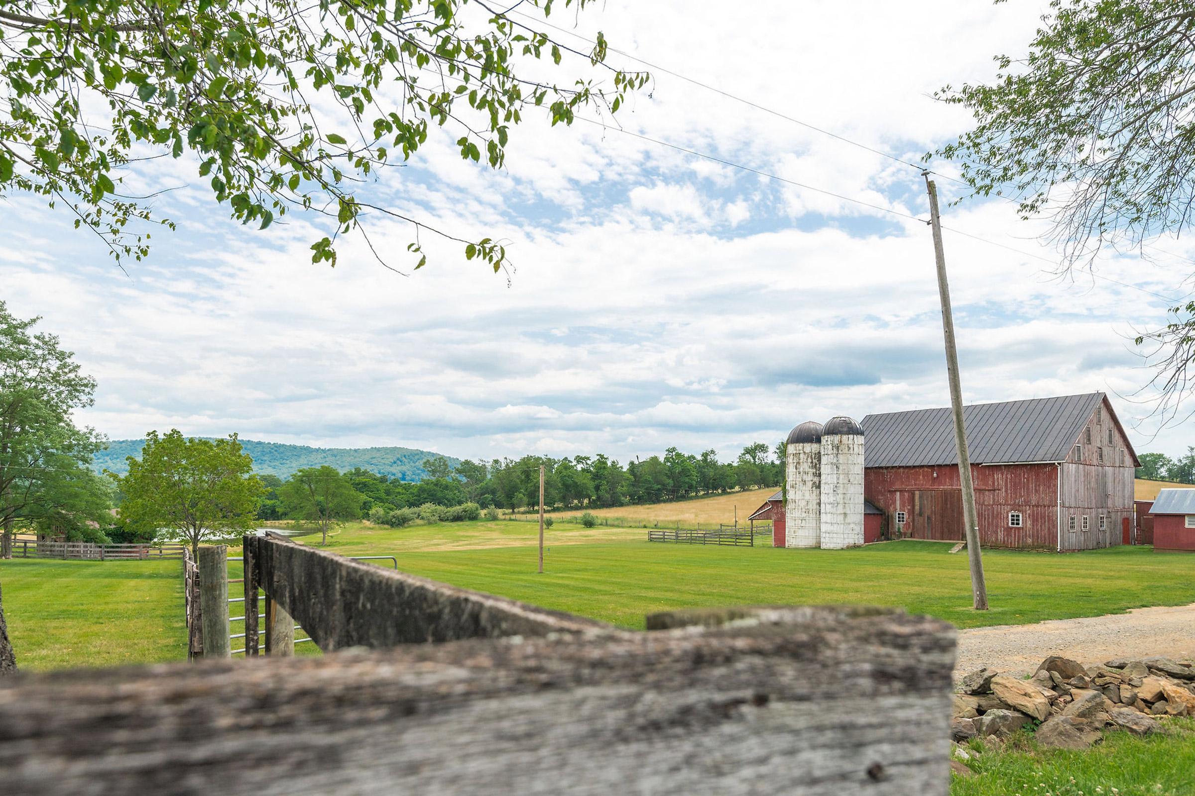 Red Barn Wedding Venue Purcellville VA